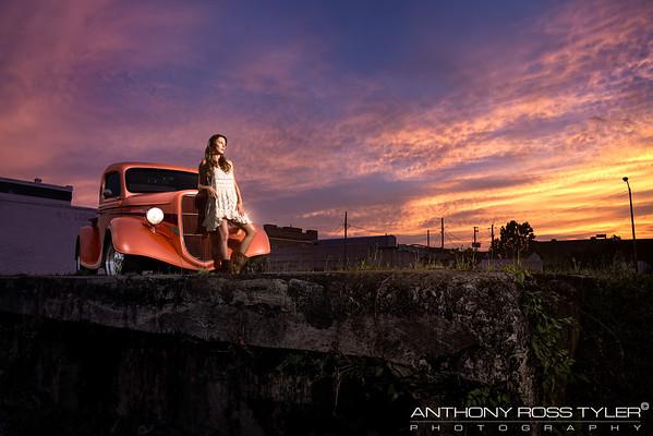 '35 Ford & Miss Hot Rod Magazine