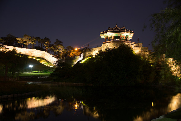 Hwaseong Fortress Nightime 2014
