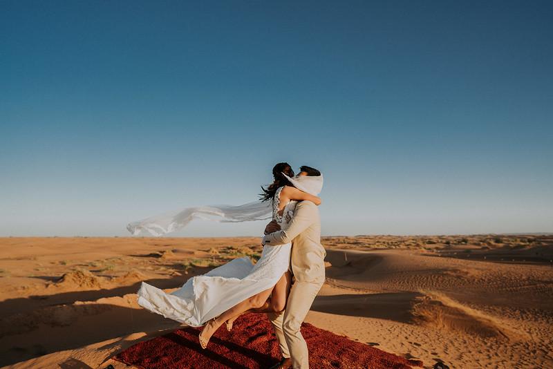 Tu-Nguyen-Destination-Wedding-Photographer-Morocco-Videographer-Sahara-Elopement-495.jpg