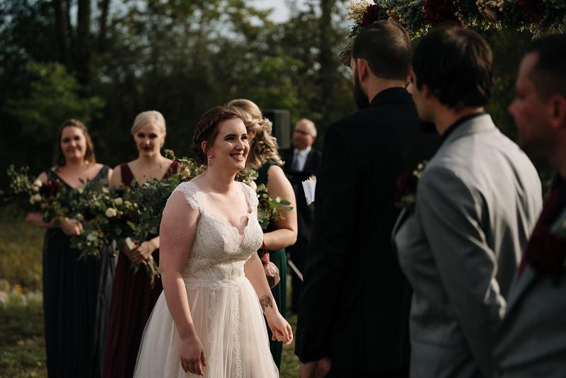 rustic_ohio__fall_barn_wedding-209.jpg