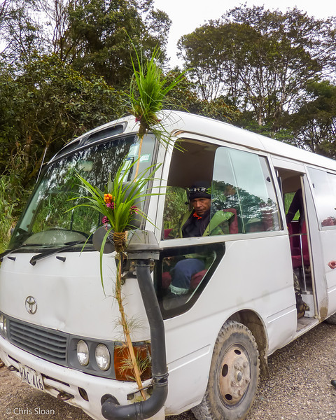 Thomas with Huli Bus near Ambua Lodge, Papua New Guinea (10-06-2013) 022-14.jpg