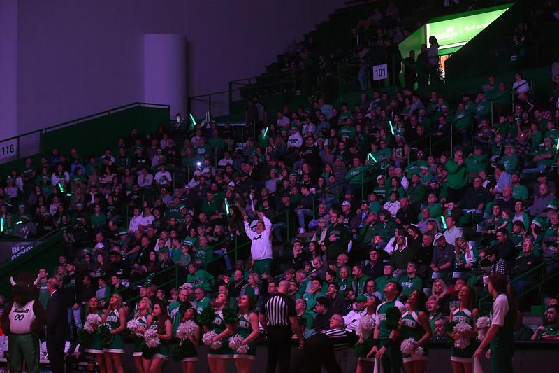 crowd4474.jpg