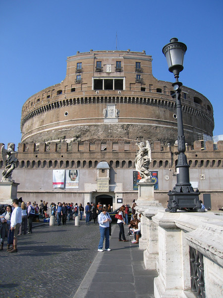 Pat in front of the Castel Sant'Angelo.