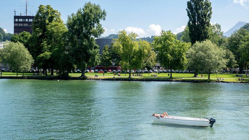 Switzerland-Boat-to-Lucerne10.jpg