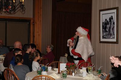 2015-12-18 Woodloch Santa