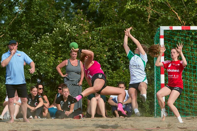 Molecaten NK Beach Handball 2015 dag 2 img 036.jpg