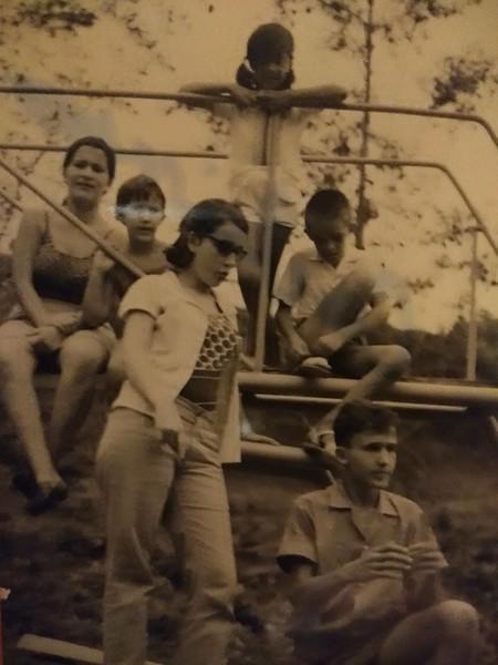 Lu e Tita Canhao Veloso, filhos do eng. Matos e...