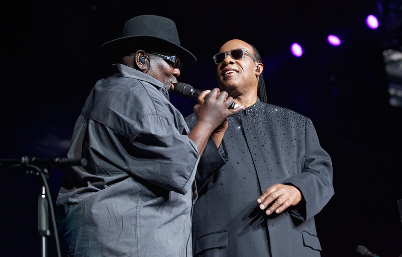 . Stevie Wonder with bassist Nathan Watts on Nov. 20, 2014 at the Palace of Auburn Hills. Photo by Ken Settle