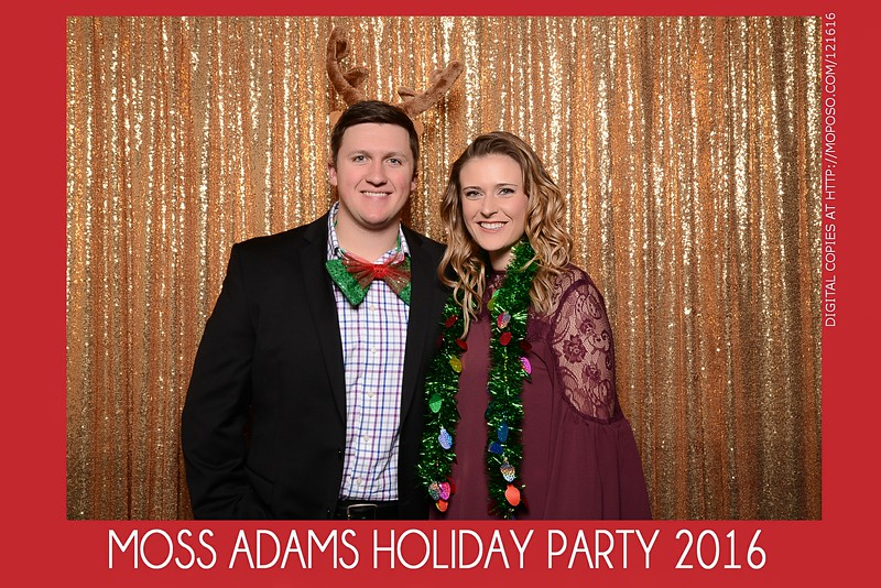 20161216_MOPOSO_Tacoma_Photobooth_MossAdamsHoliday16-57.jpg