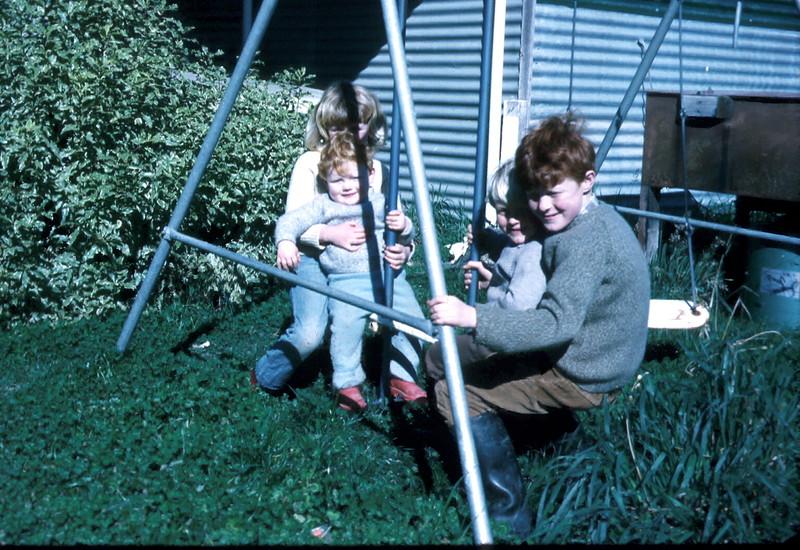 1972-8-13 (4) Susan 7 yrs 1 mth, Allen 15 mths, Andrew 3 yrs & David 8 yrs 8 mths.jpg
