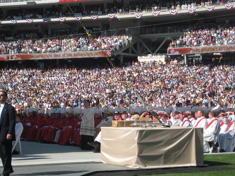 Pope Mass Nats Stadium 4-17-08 068.jpg
