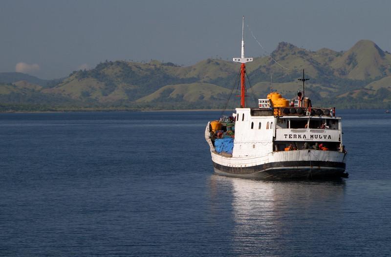 IN427-boat#Labuhanbajo.JPG