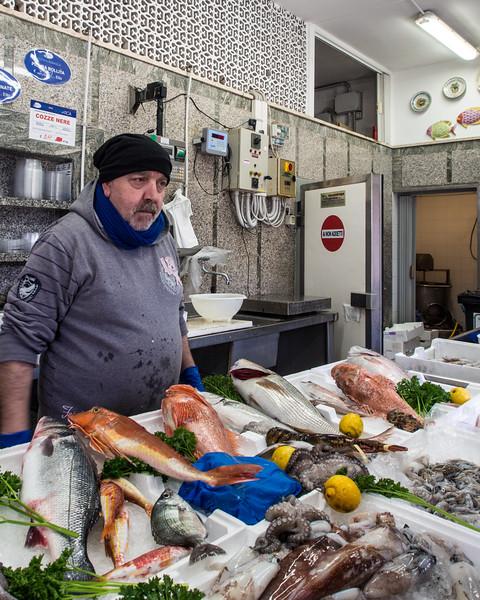 savelletri fishmonger 3.jpg