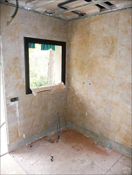 Nouvelle fenêtre pour voir les pins depuis le bac a douche - caprice :-)
