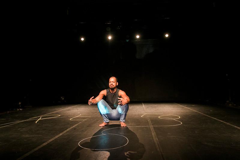 Allan Bravos - Lentes de Impacto - Teatro-480.jpg