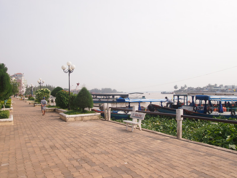 PA274782-tourist-boat-station.JPG