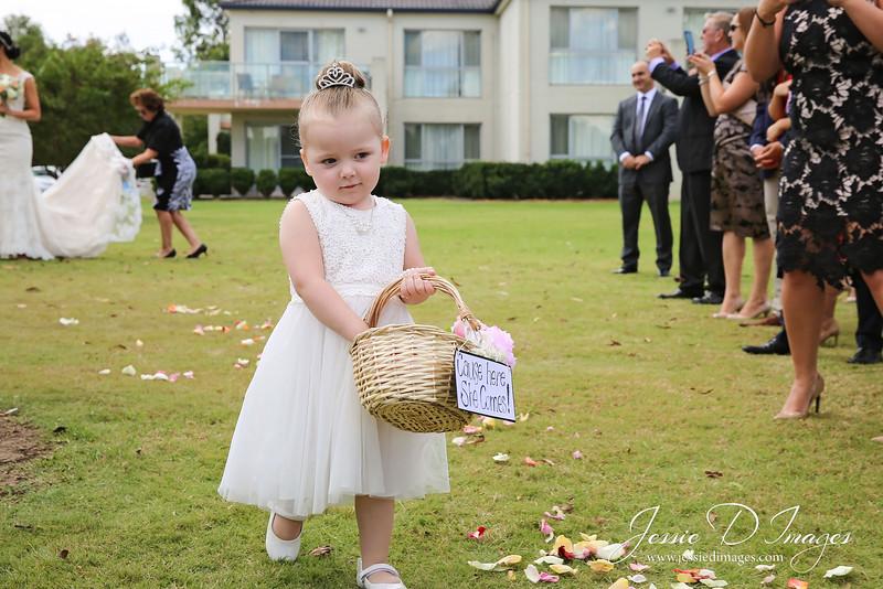 Wedding photo - crowne hunter valley - jessie d images 13.jpg