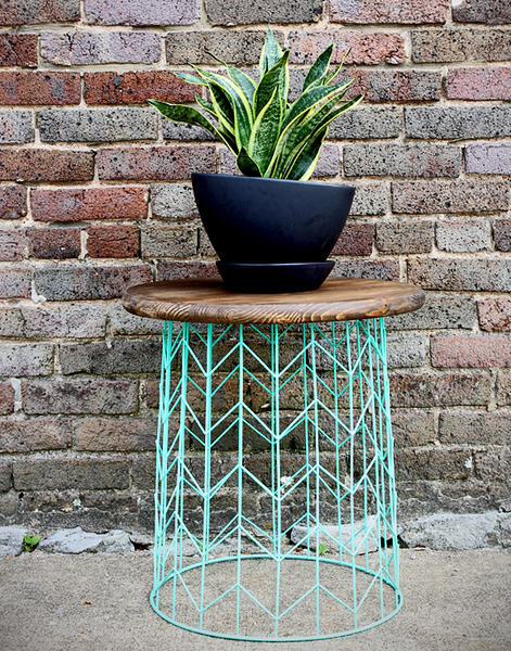 make-this-wire-basket-side-table.jpg