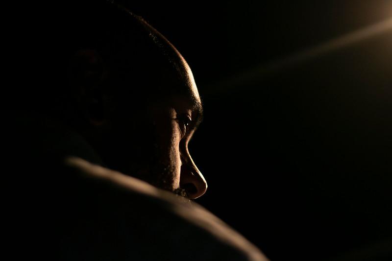 Allan Bravos - Fotografia de Teatro - Indac - Migraaaantes-314.jpg