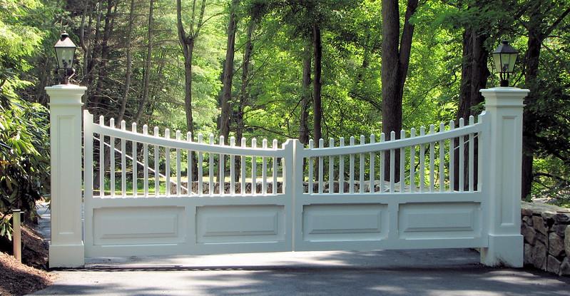 177 - 333619 - Weston CT - Custom Board & Picket Driveway Gate