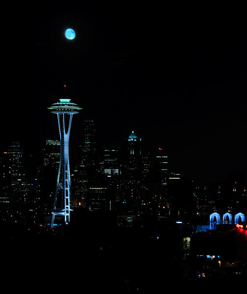 kerry_park_moonrise_09726_sounders_moonrise-sm.jpg