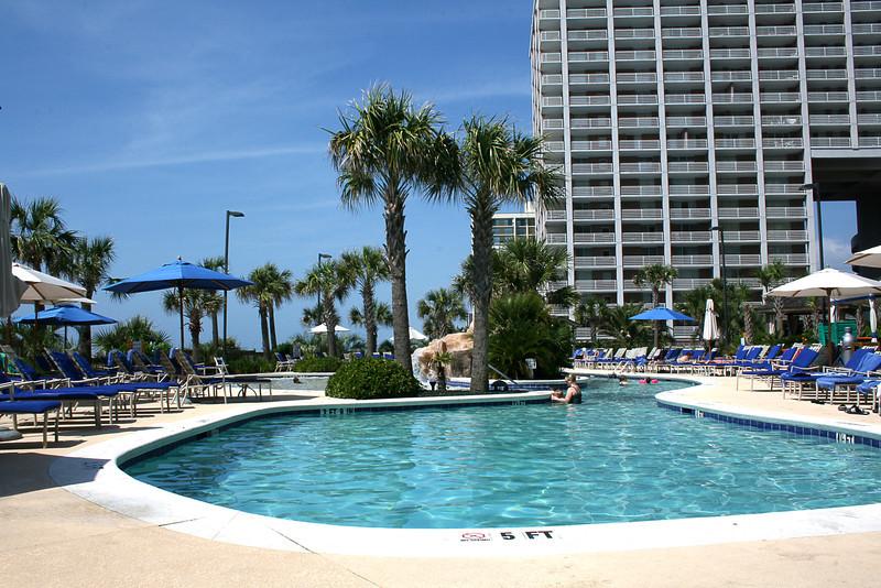 Hilton_pool.jpg