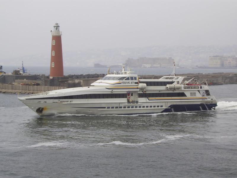2007 - HSC VESUVIO JET departing from Napoli.