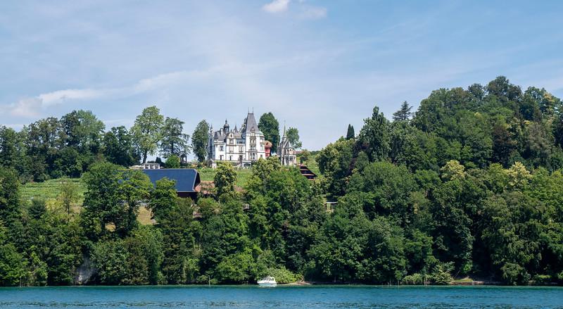 Switzerland-Boat-to-Lucerne12.jpg