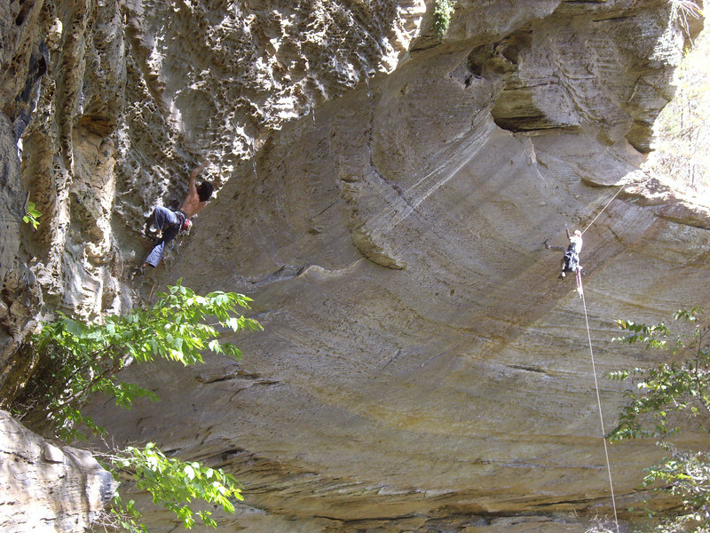 Sharma bolting with very strong Spanish dude in the foreground hiking a 13c.