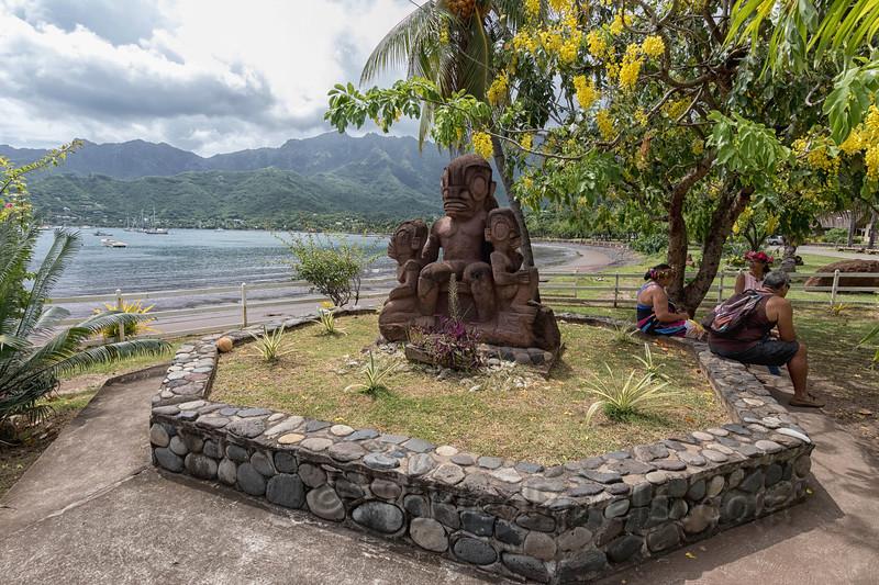Shoreline Statue and Reststop