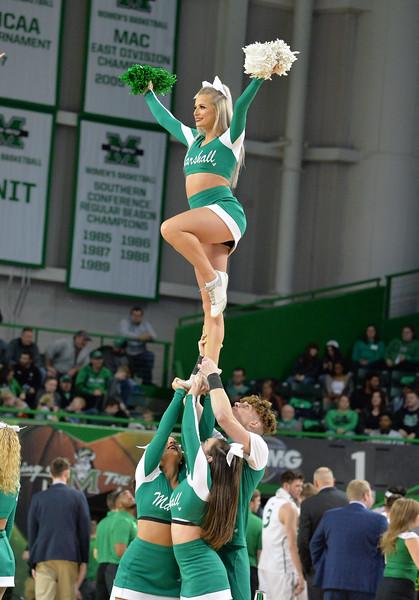 cheerleaders8343.jpg