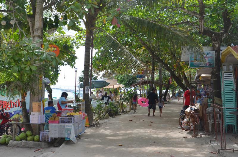 DSC_7072-alona-beach.JPG