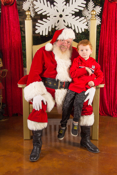 Santa 12-16-17-374.jpg