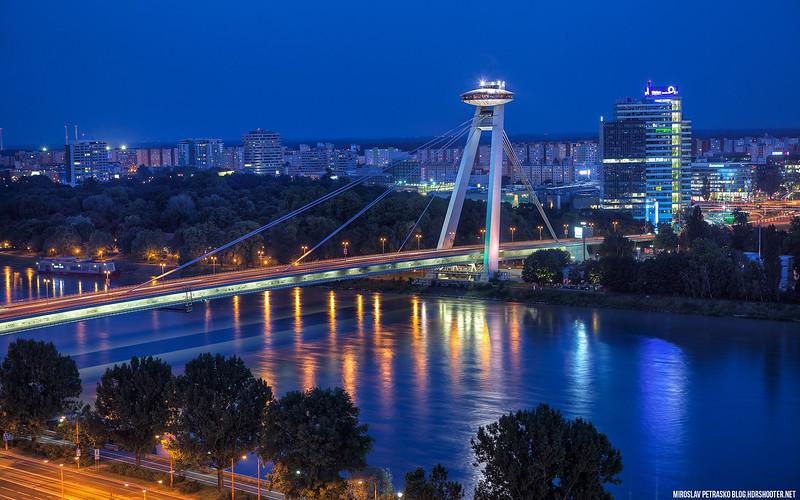 New-Bridge-in-Blue-1920x1200.jpg