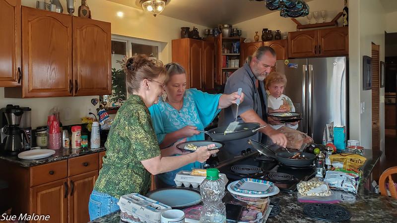 10-02-2020 Family at Deannas-2.jpg