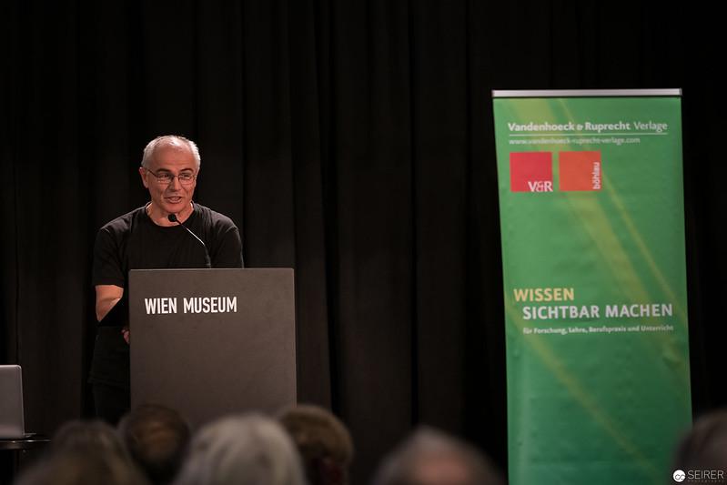 20181121_194632_wien_museum_wegwerfen_ist_eine_suende_9214.jpg
