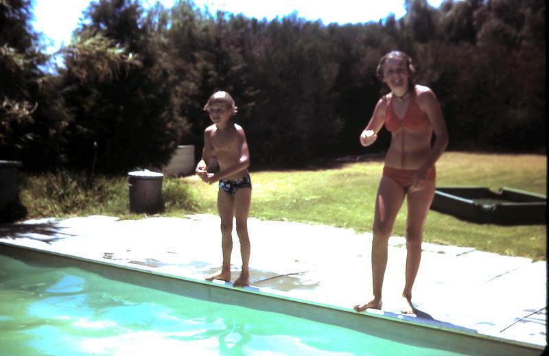 1978-1 (9) Andrew 8 yrs & Susan 12 yrs @ Geelong.JPG