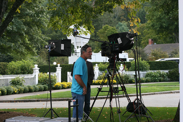 Romney Brings News Crews to Woodstock