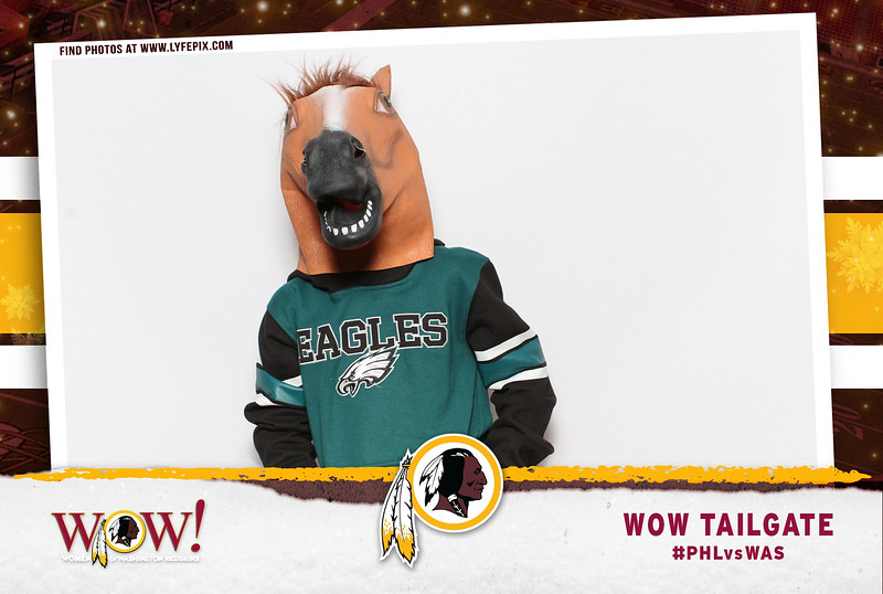 washington-redskins-philadelphia-eagles-wow-fedex-photo-booth-20181230-010745.jpg