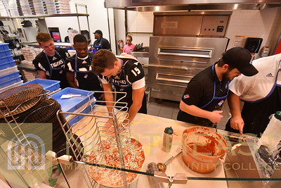 2019-08-27 FB Meet the Tigers -- Making Pizza
