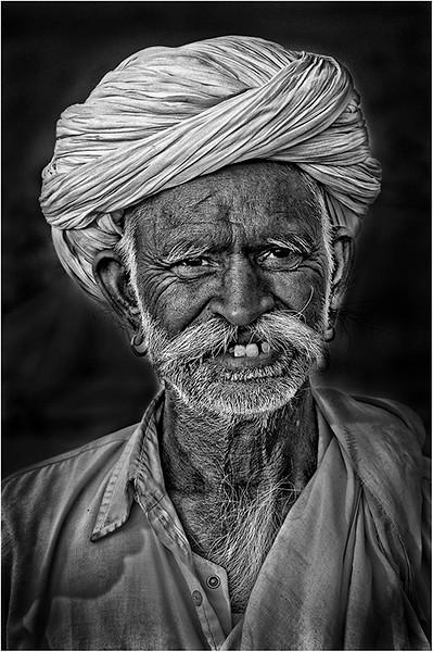 India 503 BW.jpg