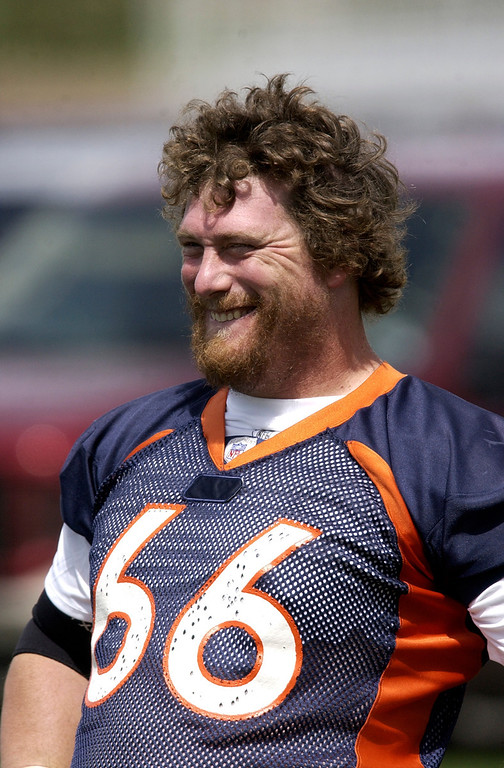 . DENVER, COLORADO, AUGUST 25, 2004 - Denver Broncos center Tom Nalen is in practice at Dove Valley on Wednesday.  (THE DENVER POST PHOTO BY HYOUNG CHANG)