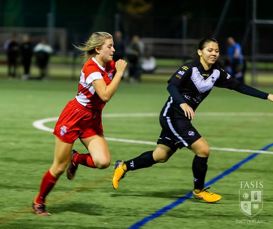 Girls Varsity Soccer Take On the Lugano U-16 Team