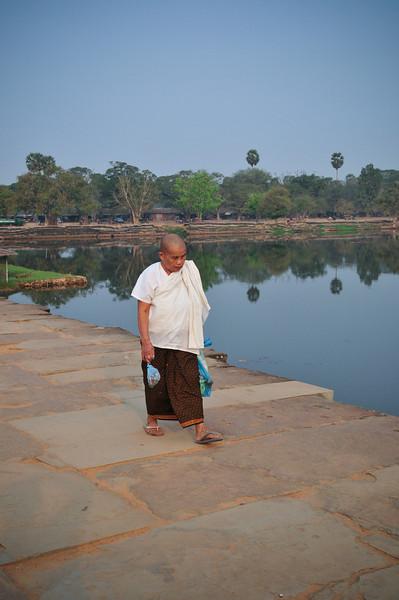 Day18-AngkorWatSunset-63.jpg