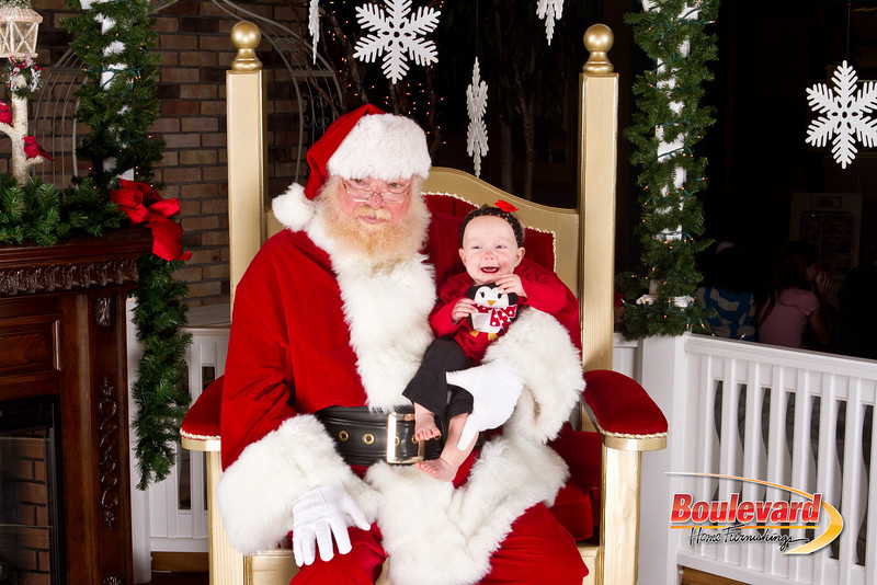 Santa Dec 8-139.jpg