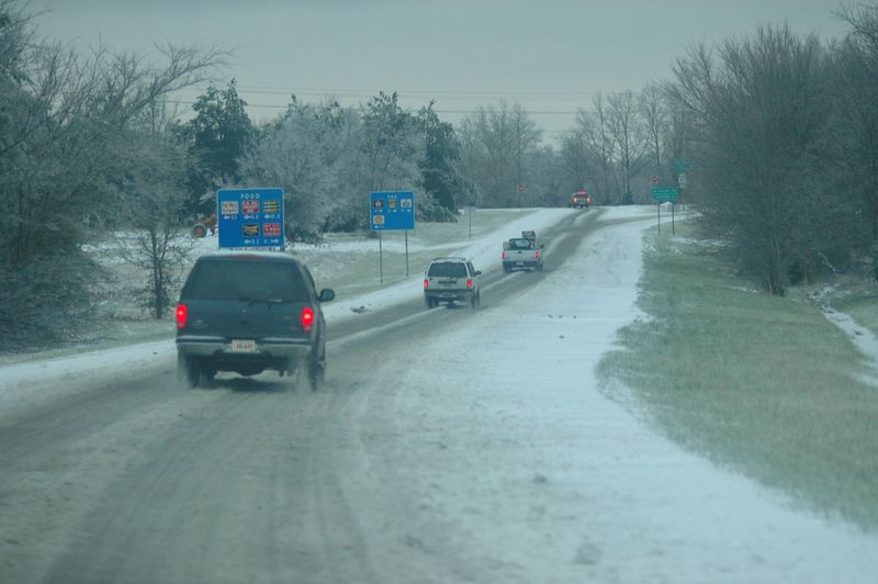 the icy exit off I-24 for Springfield