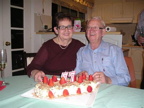Joyce's 77th Birthday parties 006.jpg