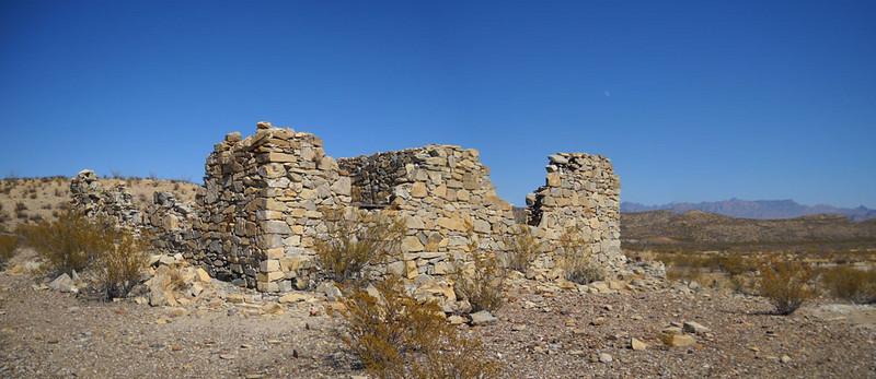Stone-house-pano-2.jpg