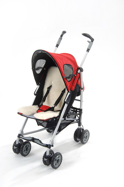 Outlook_travel-comfy-wool_red_stroller.jpg