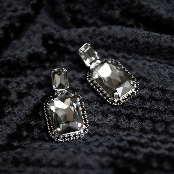 Alexa earrings black diamond.jpg